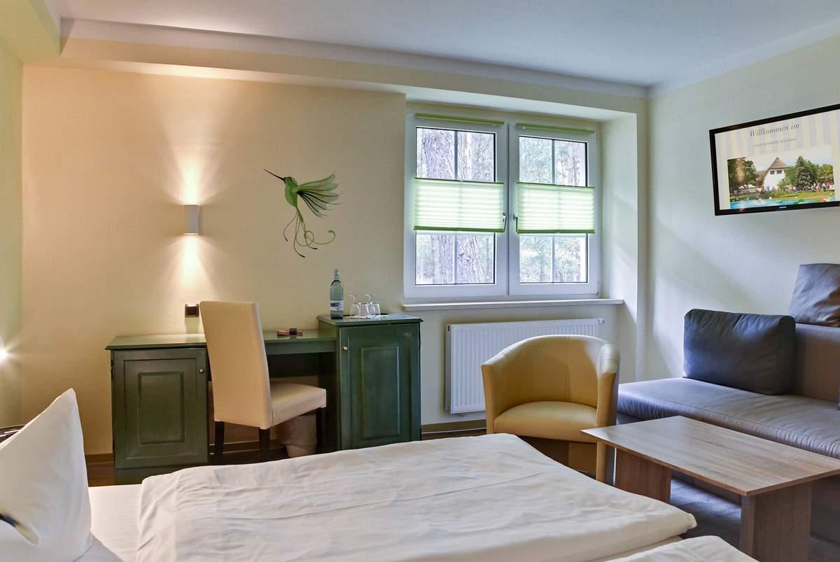 Kleiner Kühlschrank Im Hotelzimmer : Übernachten van der valk gilze hotelzimmer nähe tilburg